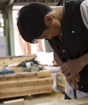 二村建築の大工さんは、全員自社で育てています